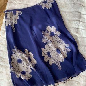 ann taylor | blue floral flowy skirt